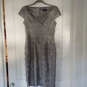 Adrianna Papell cocktail dress size 6